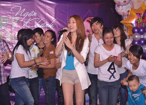 Ngân Khánh cười thả ga với Gangnam Style - 13