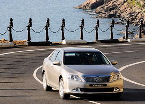 So sánh Toyota Camry 2.5Q với Honda Accord 2.4 - 2