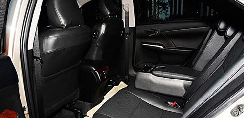 So sánh Toyota Camry 2.5Q với Honda Accord 2.4 - 7