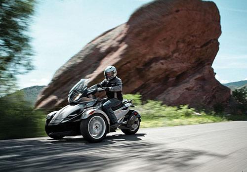 Can-Am Spyder ST 2013 báo giá tại Mỹ - 3