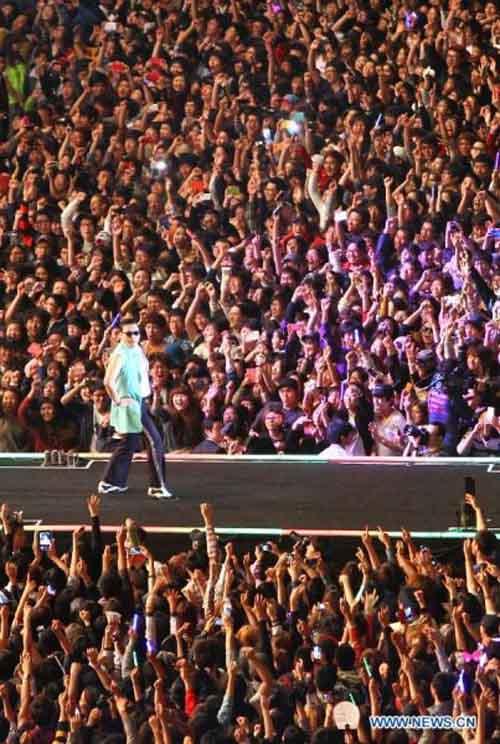 """80.000 người """"cháy"""" cùng Gangnam Style - 4"""