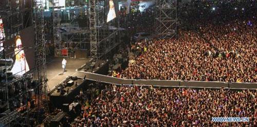 """80.000 người """"cháy"""" cùng Gangnam Style - 5"""