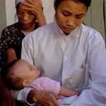 Tin tức trong ngày - Nỗi đau TNGT: Bé 8 tháng tuổi mồ côi cha mẹ