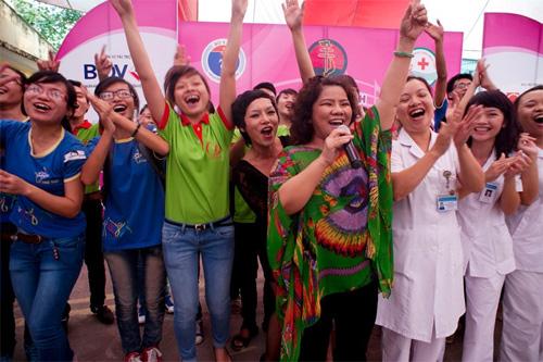 NSND Thanh Hoa mừng sinh nhật tuổi 63 - 2