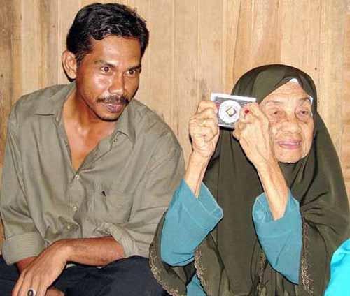 Cụ bà 109 tuổi với 23 đời chồng trẻ - 1
