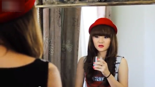 """MV của em gái Phương Trinh bị """"ném đá"""" - 8"""