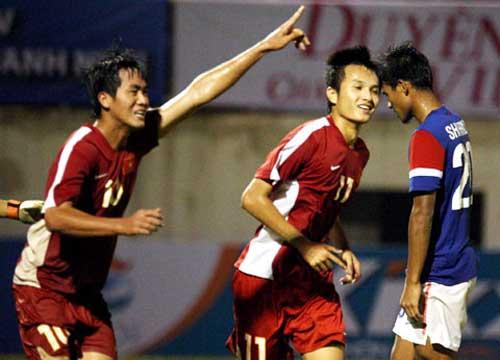 U21 VN - U21 Singapore: Tưng bừng - 1