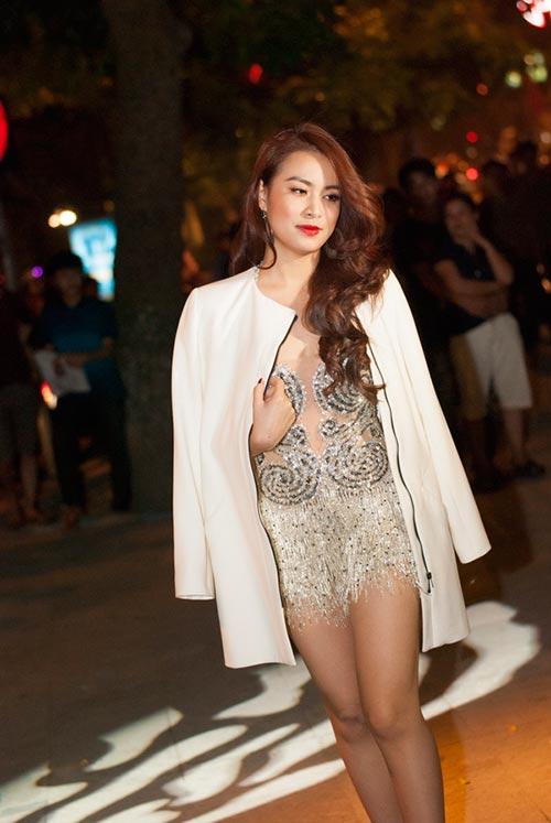 Hoàng Thuỳ Linh, Thu Minh quá gợi cảm - 4