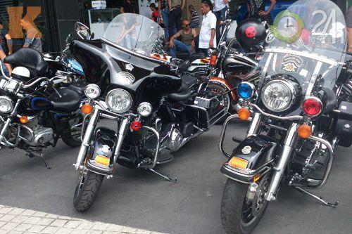 Đoàn môtô khủng dạo phố Sài Gòn - 15