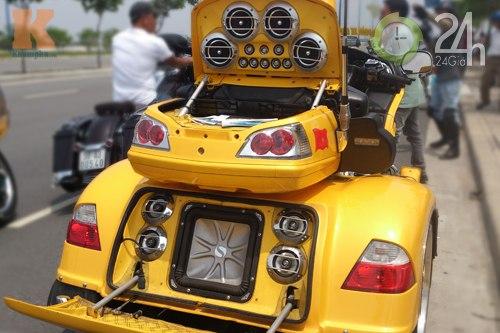 Đoàn môtô khủng dạo phố Sài Gòn - 3