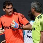 """Bóng đá - Mourinho – Casillas: """"Cuộc tình"""" về đâu?"""