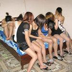 Tin tức trong ngày - Thả gái mại dâm: Ngày về của… phấn son