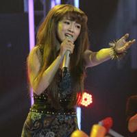 Đinh Hương hát Forever and One
