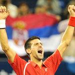 Djokovic thi triển tuyệt kỹ  Tweener