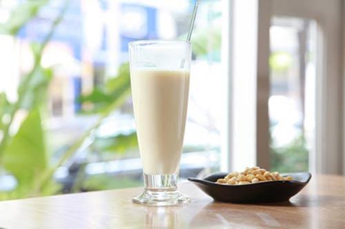 Những cấm kỵ khi uống sữa đậu nành - 1