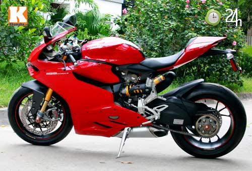 Cận cảnh siêu môtô Ducati Panigale S đầu tiên tại Hà Nội - 2