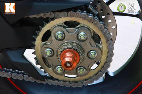 Cận cảnh siêu môtô Ducati Panigale S đầu tiên tại Hà Nội - 13
