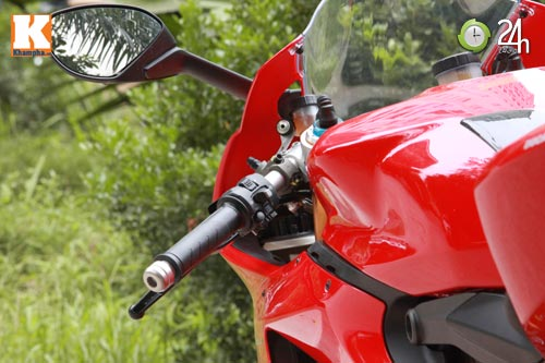 Cận cảnh siêu môtô Ducati Panigale S đầu tiên tại Hà Nội - 3