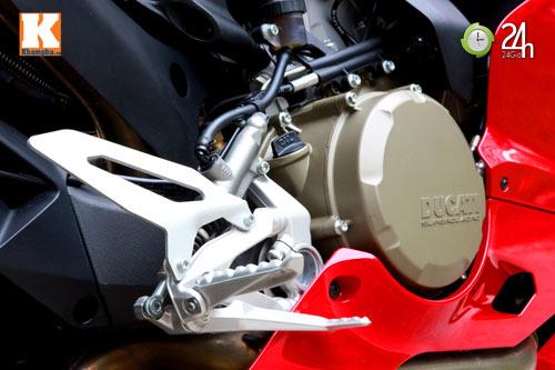 Cận cảnh siêu môtô Ducati Panigale S đầu tiên tại Hà Nội - 7