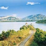 Top 5 hồ thiên nhiên đẹp thơ mộng