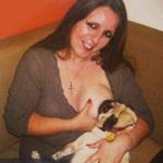 Phi thường - kỳ quặc - Người phụ nữ cho... chó bú suốt 2 năm
