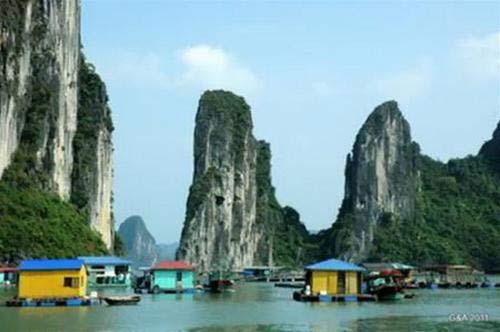 Làng chài Cửa Vạn: top những làng đẹp thế giới - 1