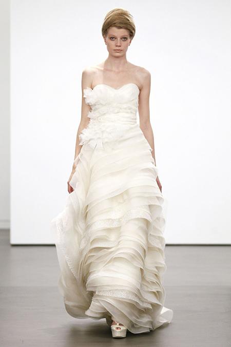 Váy cưới hợp mốt dành cho các tín đồ - 13
