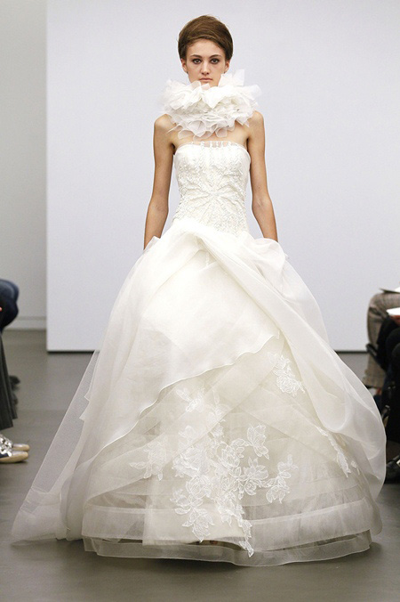 Váy cưới hợp mốt dành cho các tín đồ - 16
