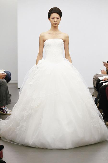 Váy cưới hợp mốt dành cho các tín đồ - 18