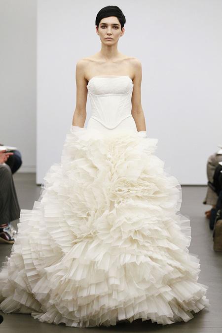 Váy cưới hợp mốt dành cho các tín đồ - 19