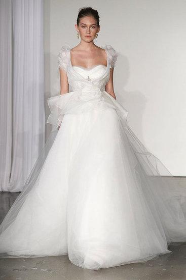 Váy cưới hợp mốt dành cho các tín đồ - 3