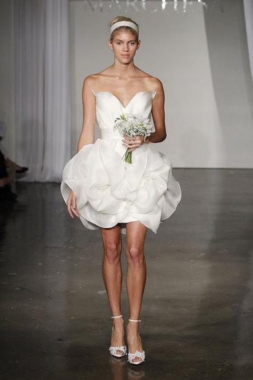 Váy cưới hợp mốt dành cho các tín đồ - 6
