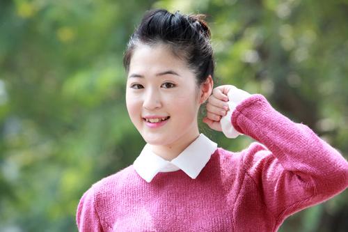 Thiếu nữ Hà thành làm điệu với áo len - 11