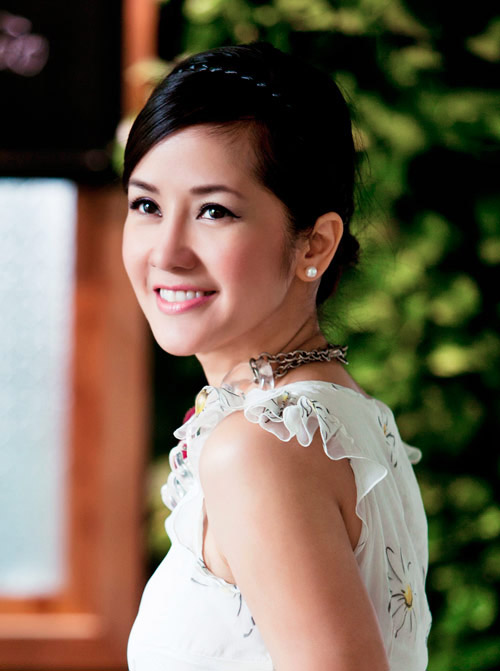 10 giai nhân diễm lệ của showbiz Việt - 10