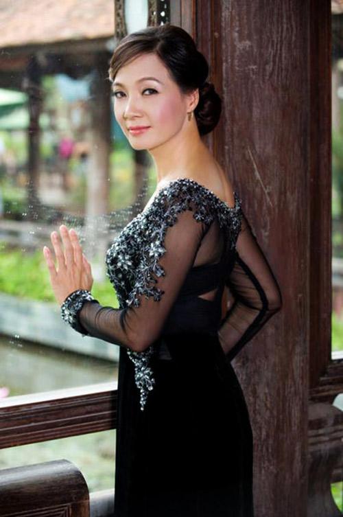 10 giai nhân diễm lệ của showbiz Việt - 3