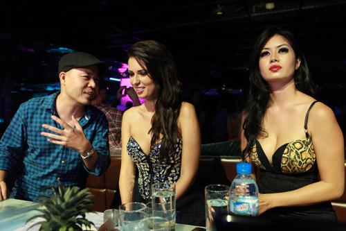 DJ gốc Việt sexy đêm Hà thành - 8