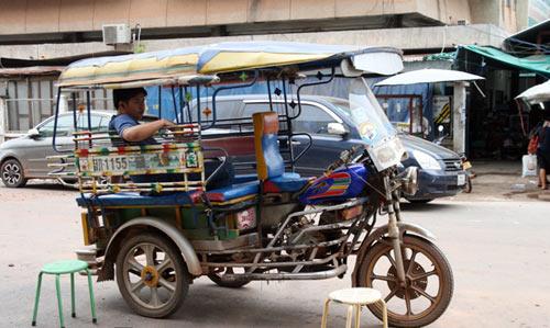 Sang Lào ngắm xe hơi - 4