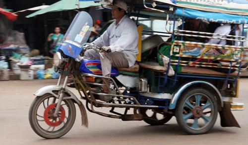 Sang Lào ngắm xe hơi - 5