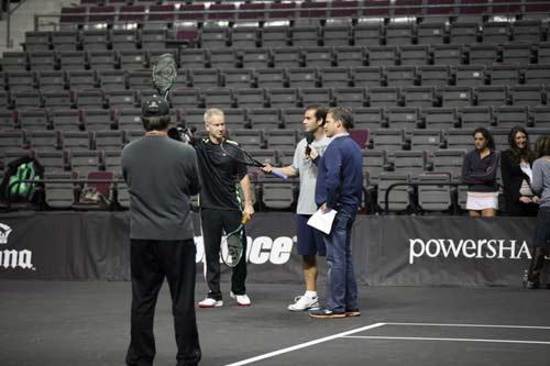Sampras, McEnroe tỏa sáng tại giải đấu huyền thoại - 1