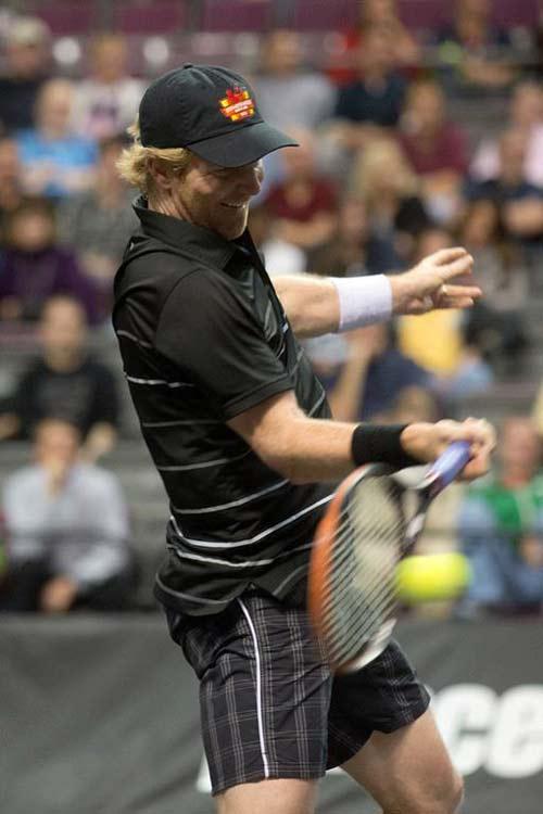 Sampras, McEnroe tỏa sáng tại giải đấu huyền thoại - 7
