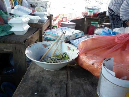 Bát cơm trưa nghẹn ngào bên bãi rác - 9