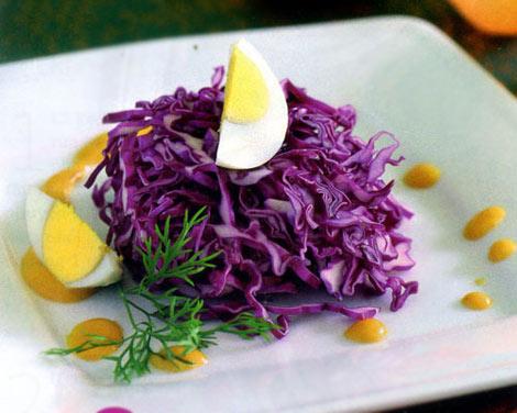 Giữ gìn nhan sắc với salad bắp cải tím - 1