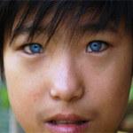 Phi thường - kỳ quặc - Cậu bé có đôi mắt búp bê ở Đà Lạt