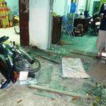 An ninh Xã hội - Bị truy đuổi, 2 tên cướp tông bể cửa hàng
