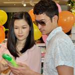 Phim - Huy Khánh đưa vợ đi mua đồ cho con