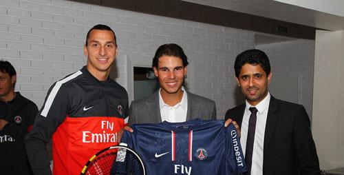 Nadal tặng Ibrahimovic vợt tennis - 1