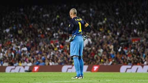Barca: Tito chỉ trích trọng tài, bênh Valdes - 1
