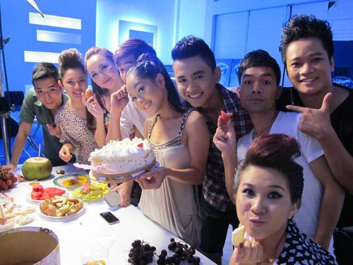 Đột nhập dinh cơ Top 9 Vietnam Idol - 10