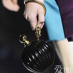Thời trang - Những mẫu túi giúp đôi tay thêm thu hút