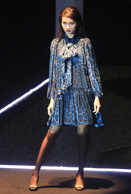 Milano show: Câu chuyện của quần áo - 1